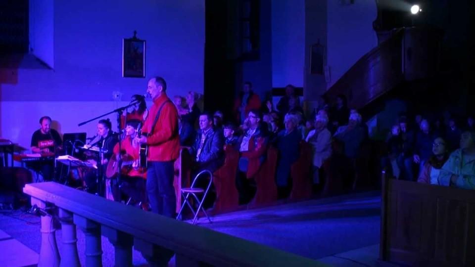 """Koncert Muzyki Chrześcijańskiej """"Śpiewaj przy Farnej"""" – """"Jezus Żyje"""" – 27 października 2013"""