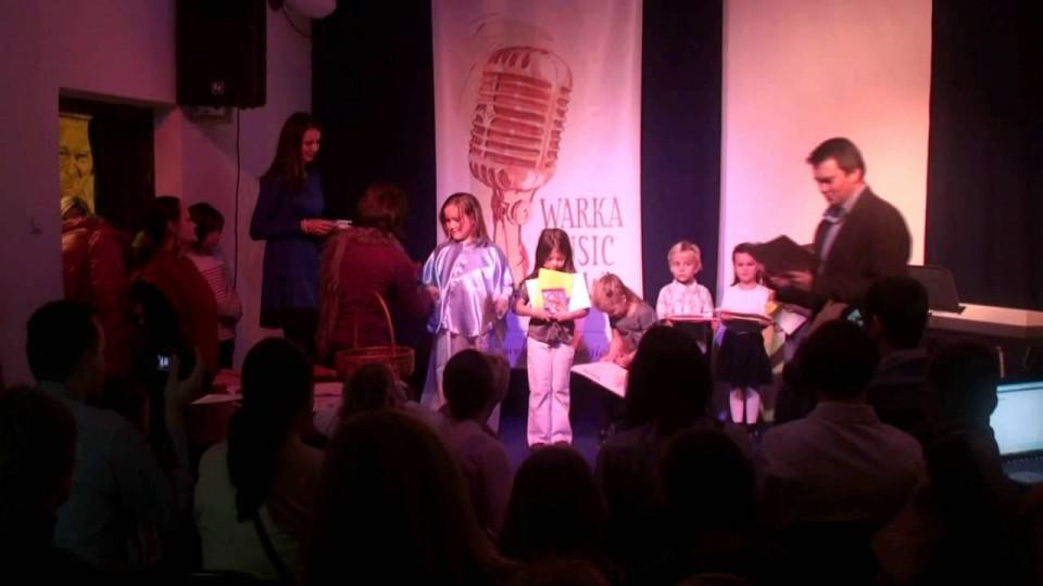 """Konkurs wokalny """"mini Warka Music Show"""" – Kolędy i Pastorałki – 19 grudnia 2012"""