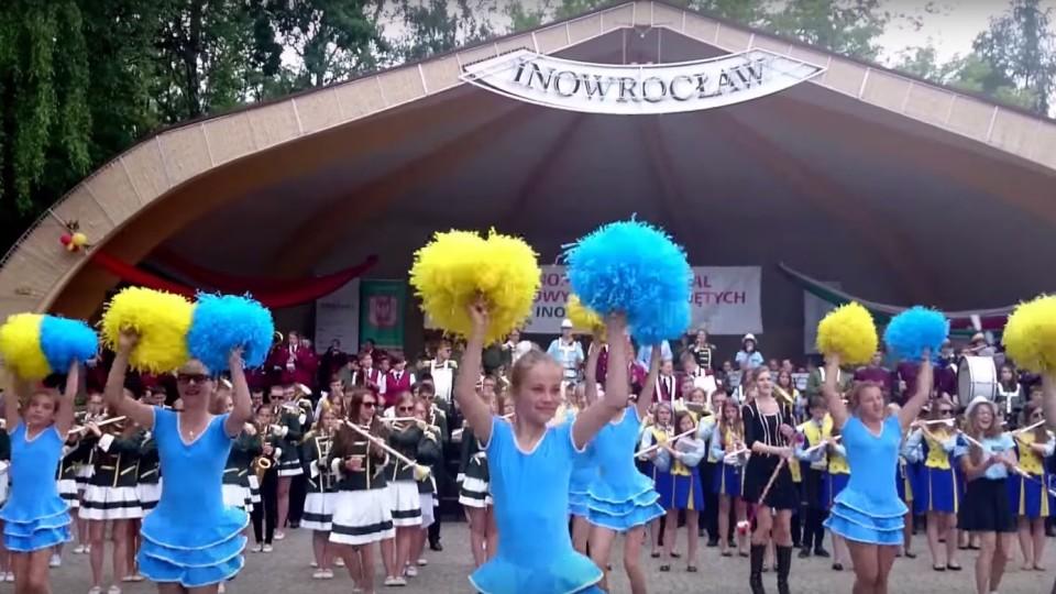 """Orkiestrowe wykonanie """"Moje serce to jest muzyk"""" na 43. OFMOD w Inowrocławiu – 21 czerwca 2015"""