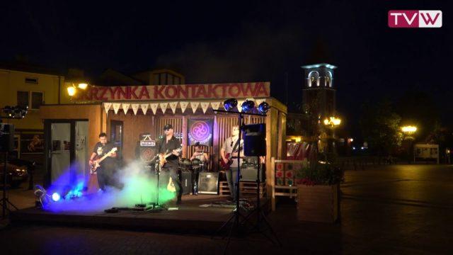 """Koncert zespołu """"New Amsterdam"""" z Radomia na wareckim rynku – 23 sierpnia 2019"""