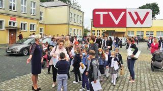 Rozpoczęcie nowego roku szkolnego w wareckiej SP1 – 1 września 2020